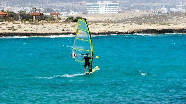 dove fare windsurf mondo italia